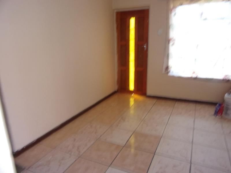 Property For Rent in Queensview Park, Queenstown 3