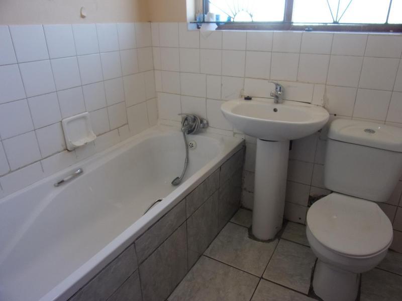Property For Rent in Queensview Park, Queenstown 9