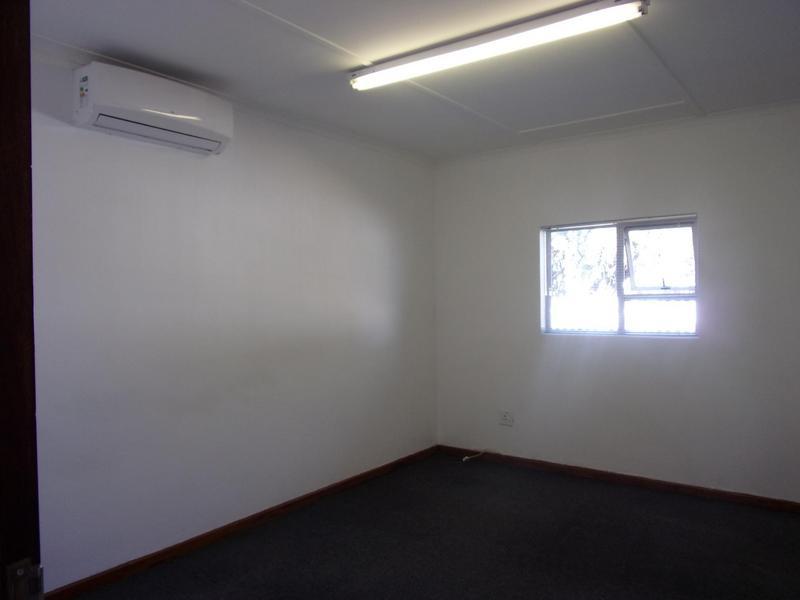 Commercial Property For Rent in Queenstown, Queenstown