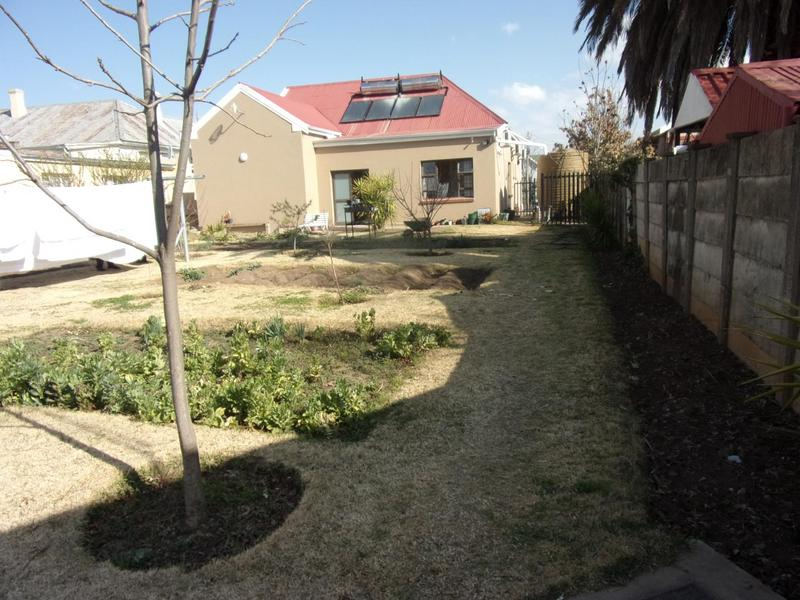 Property For Sale in Queenstown Central, Queenstown 16